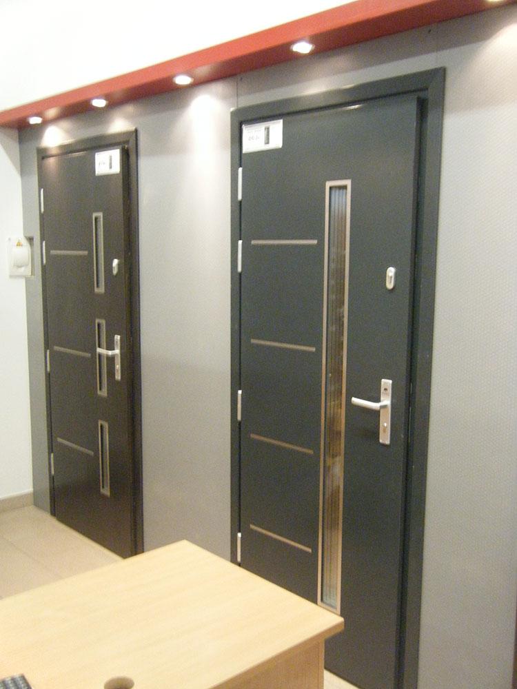 NICEA medinės lauko durys